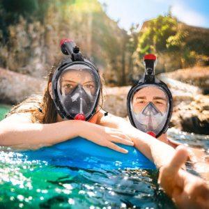 Frau und Mann mit Camtoa Tauchermaske